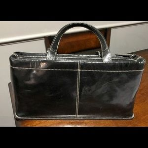 All leather Kenneth Cole purse